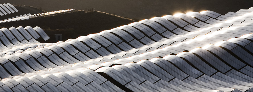 Considering political risks when investing in renewable energy